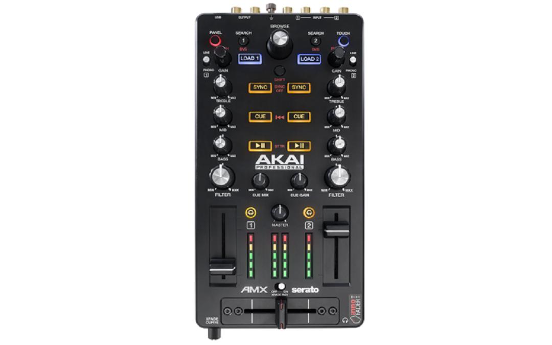 Cele mai bune controllere DJ pentru Serato - Akai AMX
