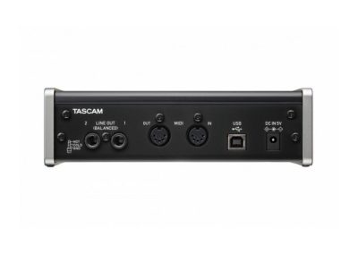 Top 13 interfete audio pana in 1000 de lei - Tascam US 2x2 spate