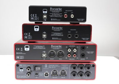 Top 13 interfete audio pana in 1000 de lei - Focusrite Scarlett spate